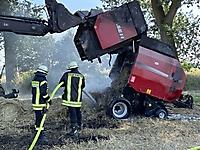 Brennt Ballenpresse in Herzhorn-Gehlensiel